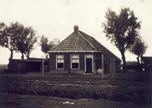 Foto 5, Boerderijtje aan de Weerderburen van Sjoerd en Martje van der Veer